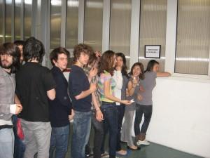 """Performance del 13 aprile 2011 realizzata dalle classi 3H, 4H, 5H del Liceo Scientifico """"Da Vinci"""" di Treviso"""